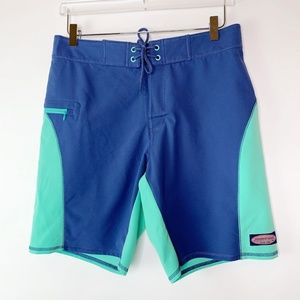 NWT Vineyard Vines Pieced Curved Boardshort 30